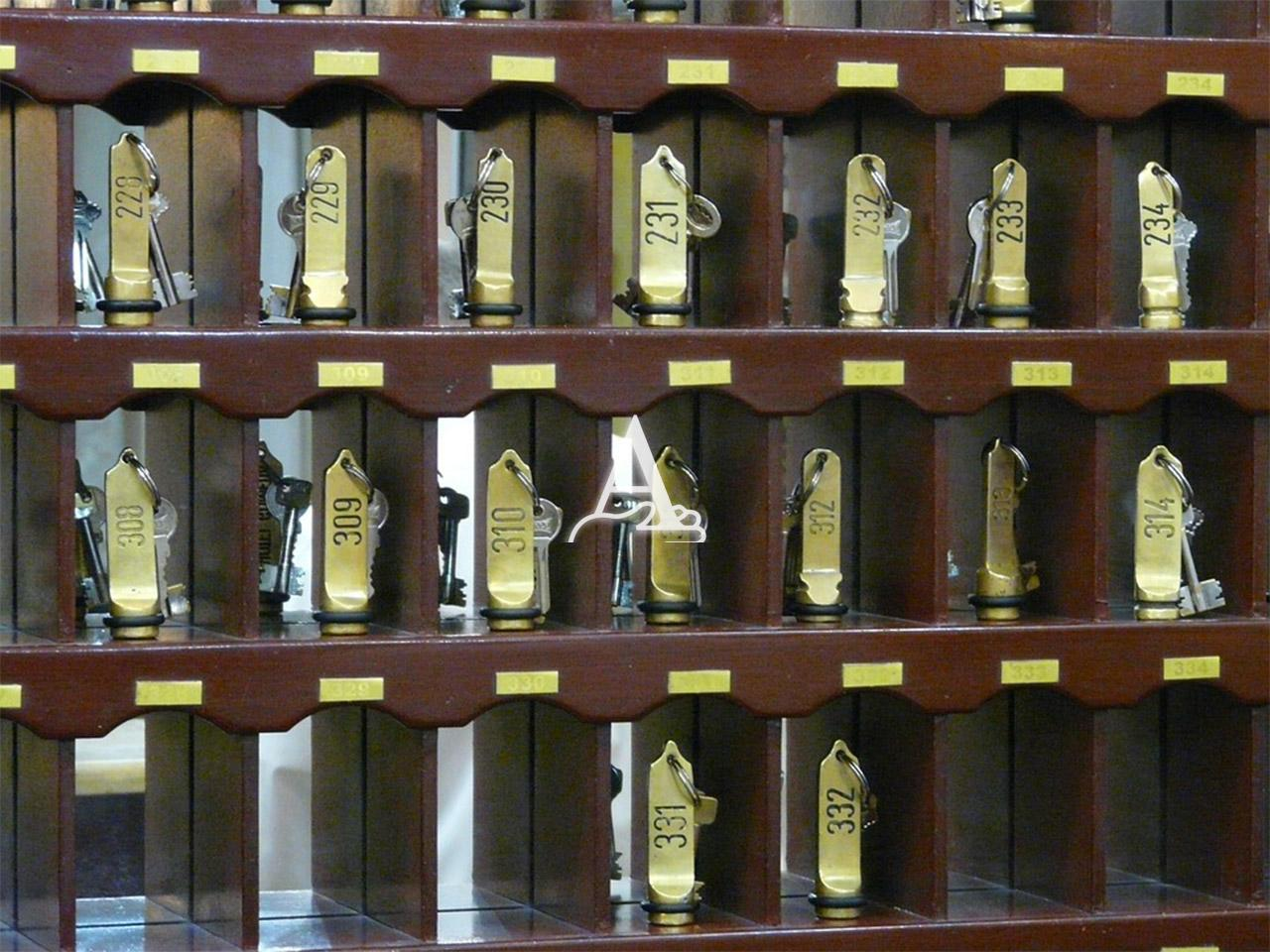 Albergo in vendita a Peschiera del Garda, 9999 locali, prezzo € 250.000 | CambioCasa.it
